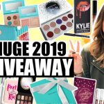 Myka Stauffer 500K Subscriber Giveaway: Win An Apple iPad, Apple Watch, Beats Solo3 Headphones, Michael Kors Clutch, And More!