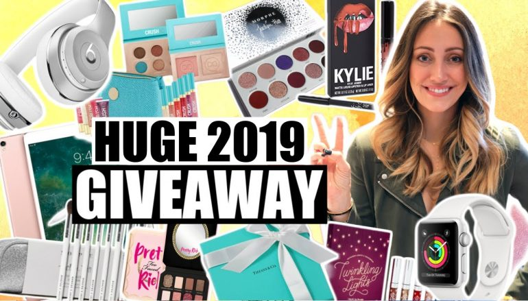 Myka Stauffer 500K Subscriber Giveaway: Win An Apple iPad, Apple Watch, Beats Solo3 Headphones, Michael Kors Clutch, And More! [CLOSED]