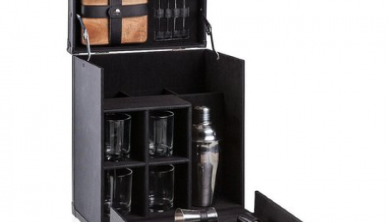 Clean Mixology Giveaway: Win A Travel Mini Bar [CLOSED]